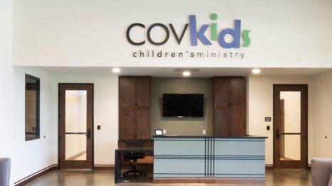 children COVkids-check-in